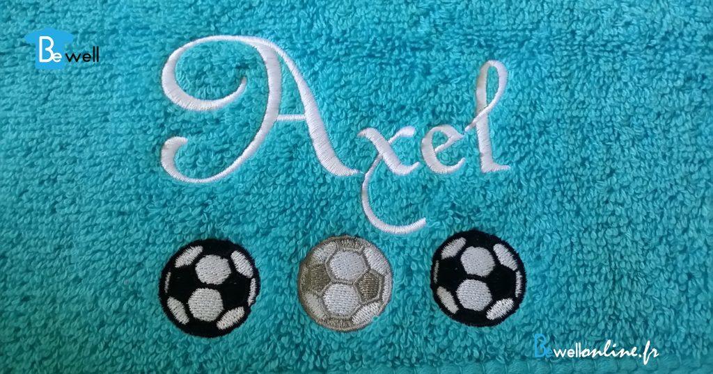 broderie prénom serviette cadeau football bewellonline